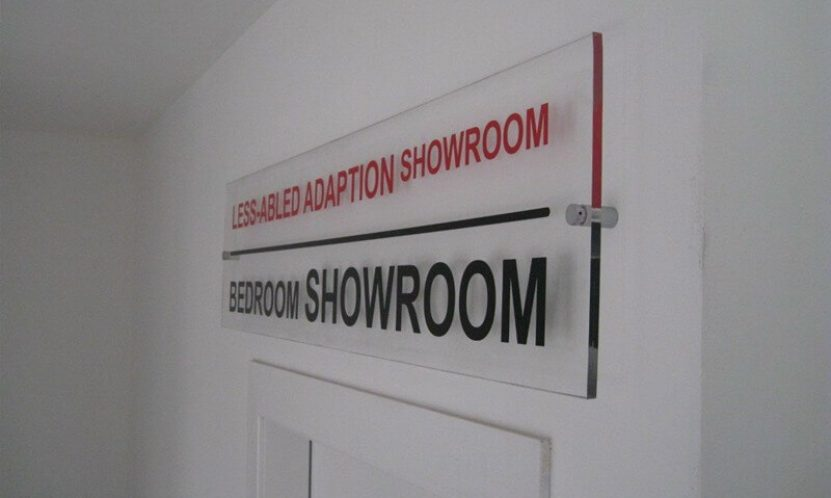 3 Top Benefits of Using Acrylic Signage
